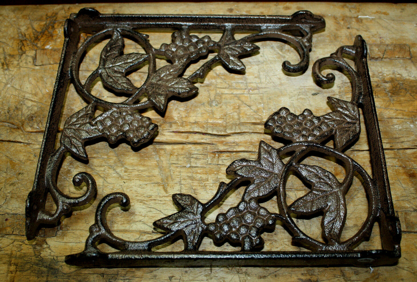 4 Cast Iron Antique Style IVY VINE Brackets Garden Braces Shelf Bracket Scroll