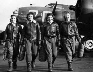 B-amp-W-WW2-Photo-WWII-WASP-Pilots-B-17-USAAF-World-War-Two-USAAC-US-Army-Air-Corp