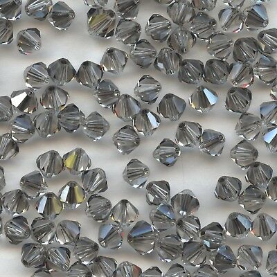 T4 5301  LSAY *** 30 toupies cristal Swarovski 4 mm  LIGHT SAPPHIRE SATIN