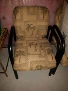 Accent Chair Buy Or Sell Chairs Amp Recliners In Kitchener