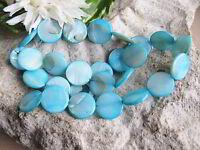 27 Perlmutt Perlen Linsen hellblau 1,4cm am Strang, Muschel Perlen Beachschmuck