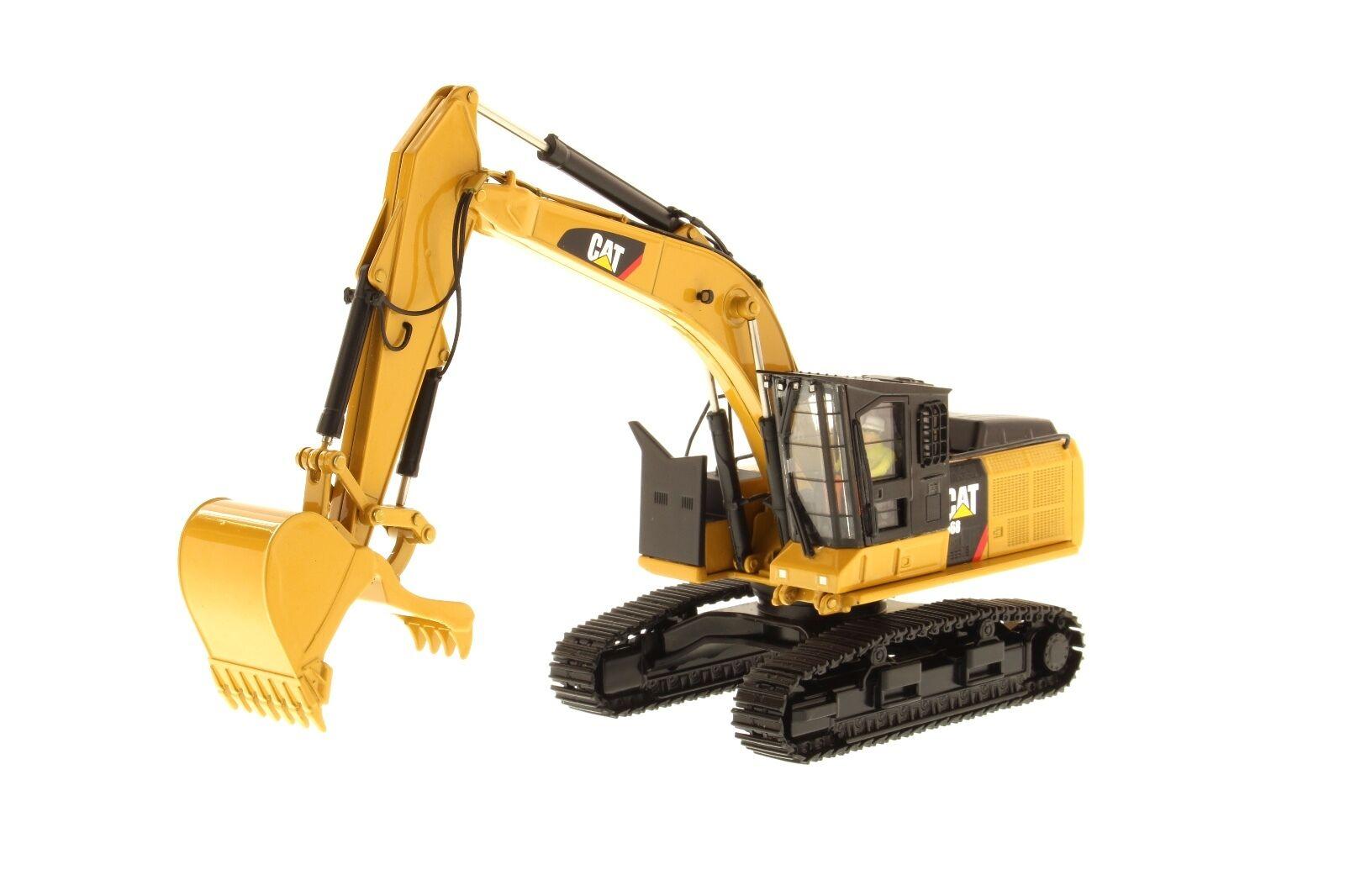 Caterpillar® 1 50 scale Cat  568 Road Builder Configuration - 85923 DM  remise