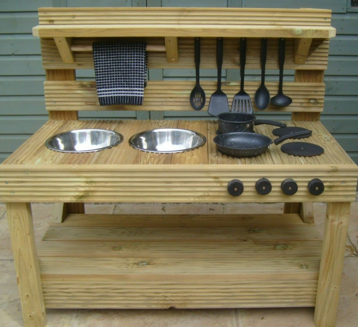 MUD KITCHEN ( free delivery is within 50 miles of bs37 please ask if over this)