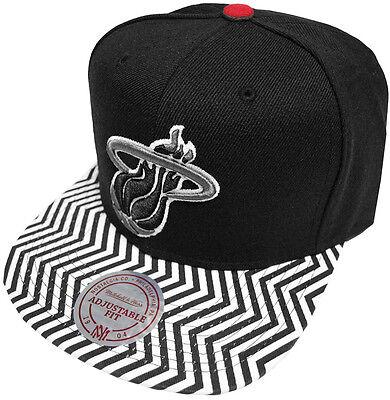 Mitchell & Ness Nba Miami Heat Zig Zag Eu134 Snapback Caps Cappuccio Basecap New Nuovo-mostra Il Titolo Originale