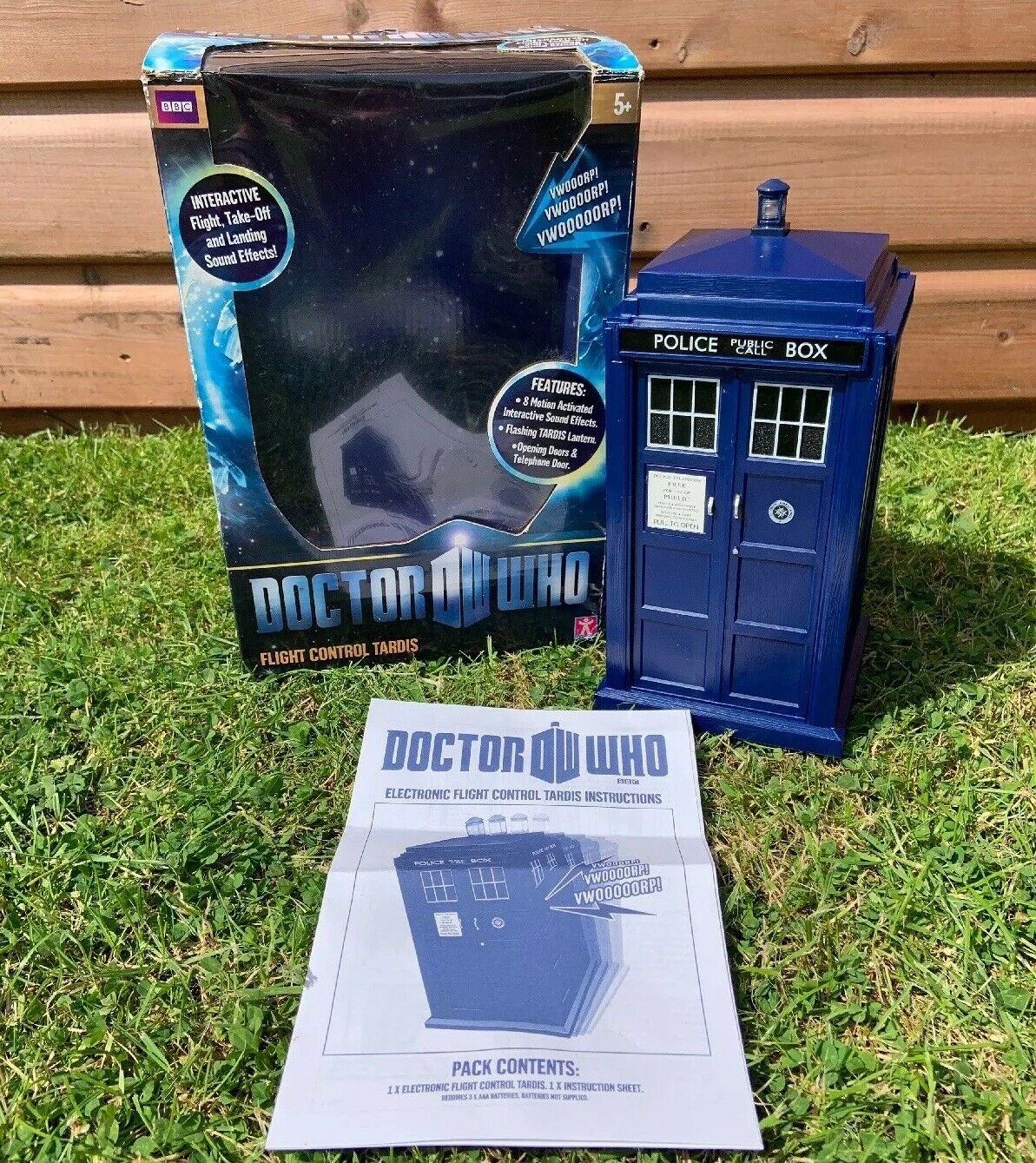 11TH ELEVENTH DOCTOR WHO FLIGHT CONTROL TARDIS LIGHTS SOUNDS TOY 8  - BOXED