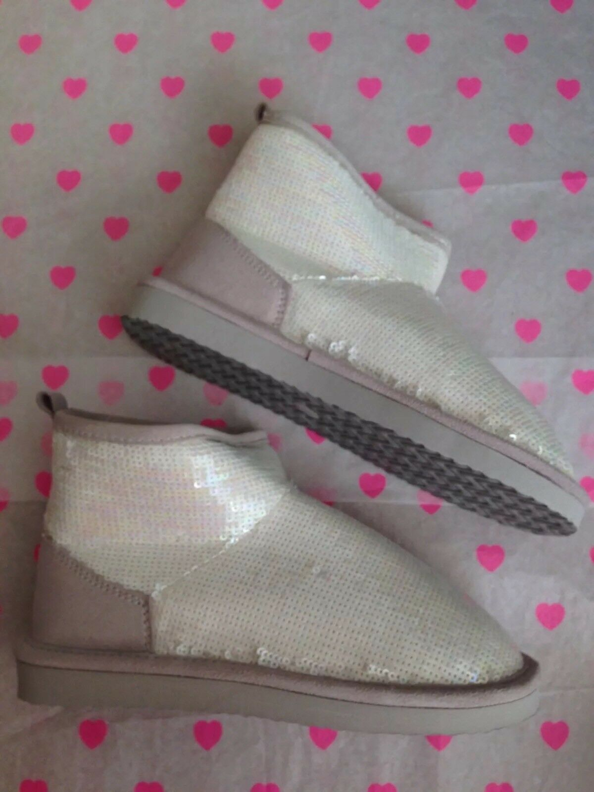 NWT  Victoria's Secret Pink Bling Sequin Fur Lined Slipper Booties Size S US 5-6