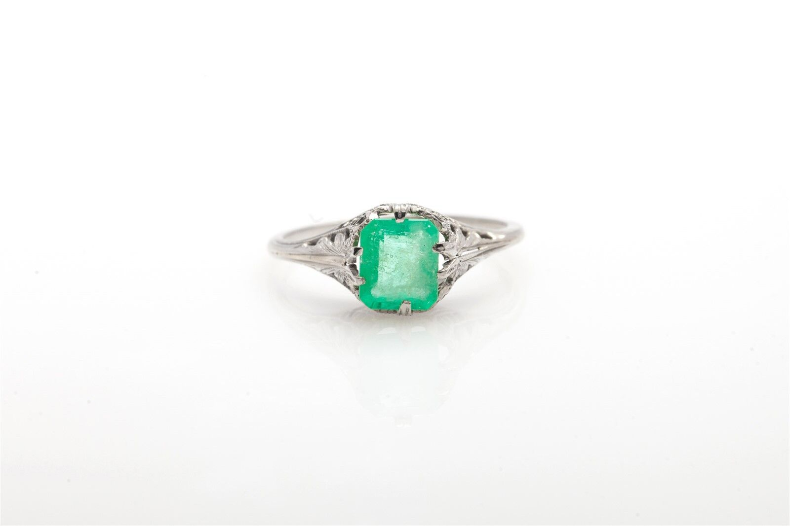 Antique 1920s  3400 2ct Colombian Emerald 14k White gold Filigree Ring