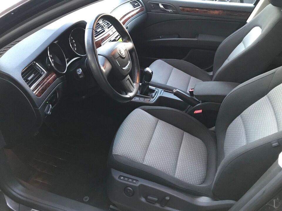 Skoda Superb 2,0 TDi 140 Elegance Combi Diesel modelår 2010