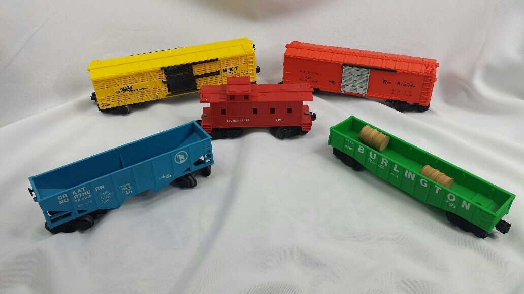 Lionel O Scale Lot of Car Trains Hopper, Gondola, Caboose, Box Car, Cattle Car