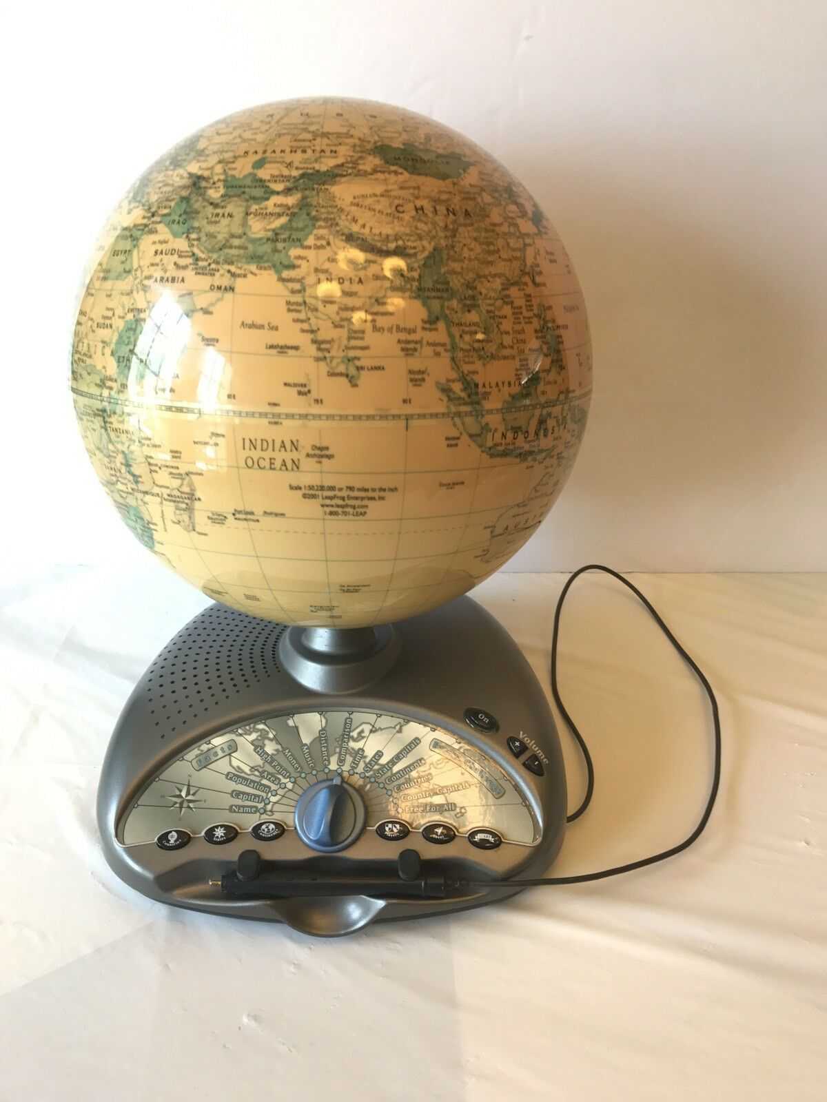 Leapfrog Interactive Odyssey III Educational Talking Globe Eureka Challenge