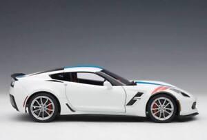 1/18 Autoart 71271 Chevrolet Corvette C7 Grand Sport (Blanc arctique / Bleu