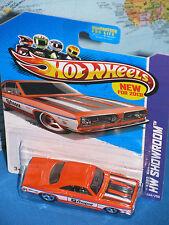 240//250 Mattel HW Showroom Series Hot Wheels 2013 68 Plymouth Barracuda Formula S