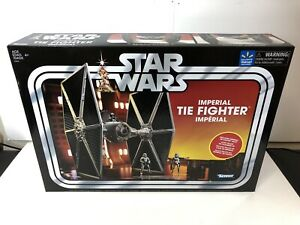 Figurine cravate Imperial Star Wars Vc 2017, véhicule et figurine exclusifs aux pilotes