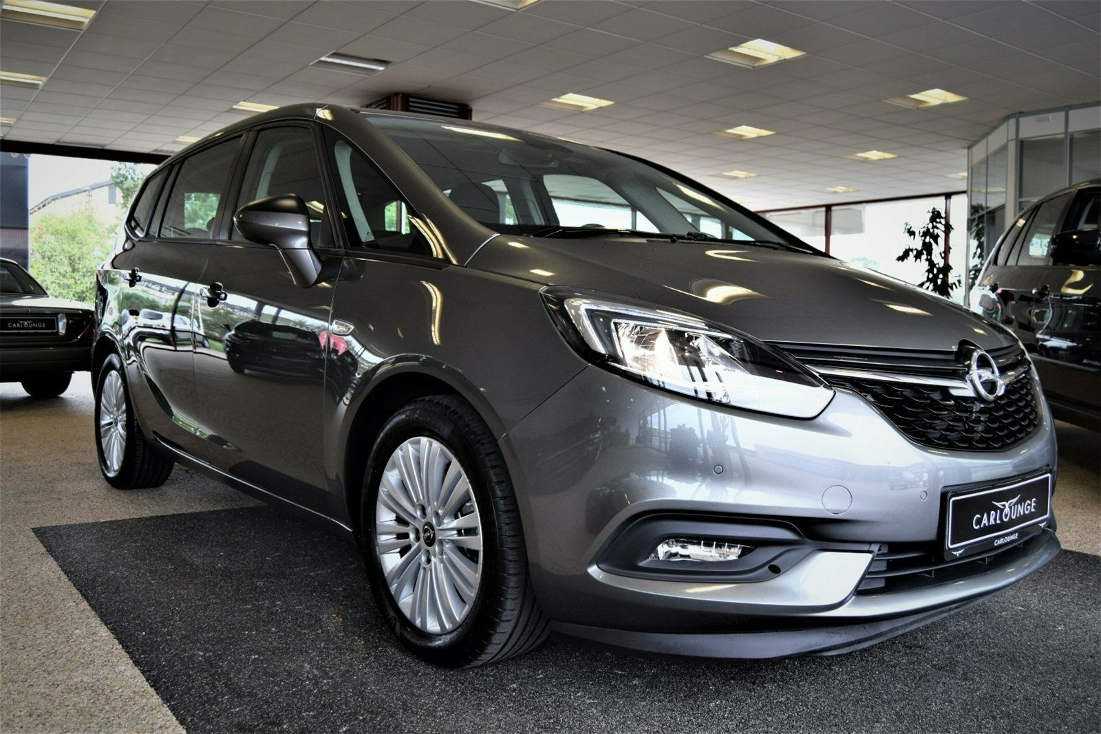Opel Zafira Tourer 1,4 T 140 Family 5d - 251.080 kr.