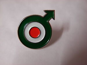 Italian-Roundel-design-with-arrow-Mod-pin-badge-RAF-Vespa-Lambretta