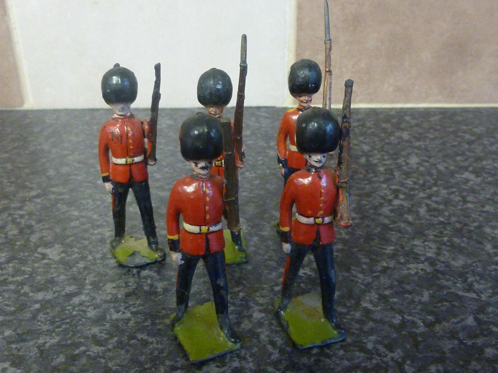 5x VINTAGE BRITAINS TOYS COLDSTREAM GUARDS MOVEABLE ARMS VGC FOR AGE