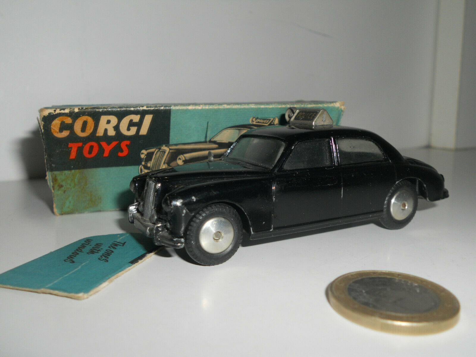CORGI TOYS RILEY PATHFINDER POLICE CAR N° 209 853018