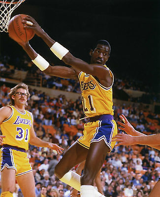 T MICHAEL COOPER LOS ANGELES LAKERS 8X10 SPORTS ACTION PHOTO