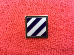 US-ARMY-3RD-INFANTRY-DIVISION-034-ROCK-OF-THE-MARNE-034-HAT-LAPEL-PIN