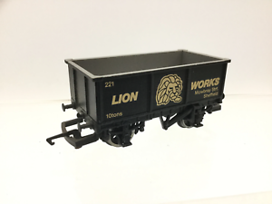 Hornby-R501-OO-Gauge-27t-Mineral-Wagon-Lion-Works