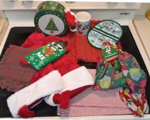 Mixed-Lot-Christmas-Tin-Mug-Socks-Potholder-Scarves-Placemats-Stockings-13-items