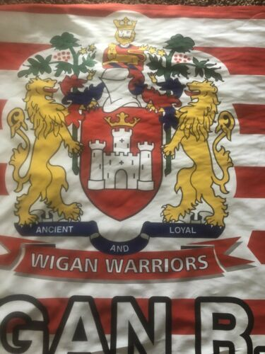 WIGAN WARRIORS Rugby Flag Ancient And Loyal Cherry /& Whites The Colliers