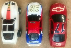 ARTIN Slot Car Track, 3 cars  Straight, Curves, Power, Loops 45+ pieces