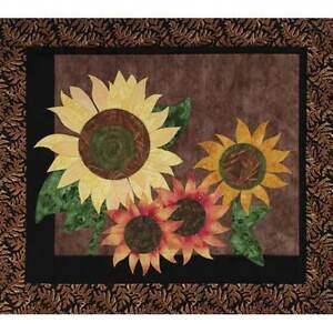 SUMMER SUNFLOWERS WALL HANGING QUILT PATTERN from Garden Trellis