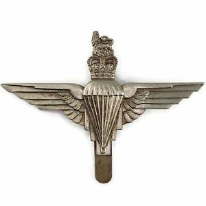Queens-Crown-Parachute-Regiment-Paras-Cap-Badge-J-R-GAUNT-LONDON-AE52