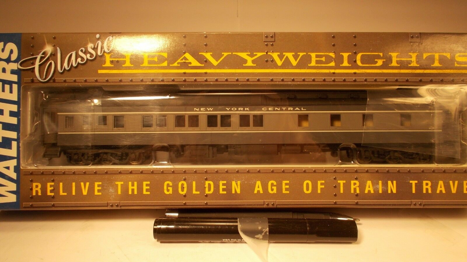 Walthers H O  Scale  NYC  (HWT 8-1-2  sleeper)