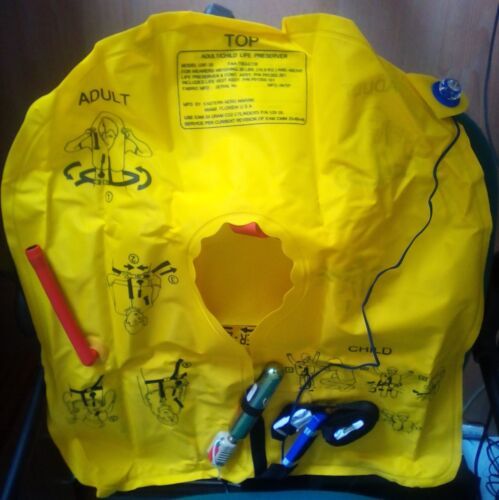 Life Jackets with sealed 33g CO2 Gas Cylinder