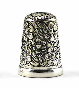BEAUTIFUL-VICTORIAN-STYLE-FLOWER-EMBOSSED-THIMBLE-925-STERLING-SILVER