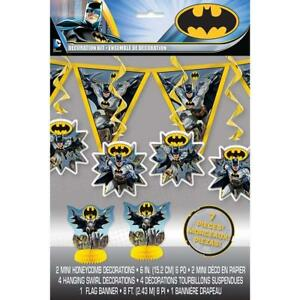 BATMAN-PARTY-DECORATION-KIT-2-MINI-HONEYCOMBS-4-HANGING-SWIRLS-1-FLAG-BANNER