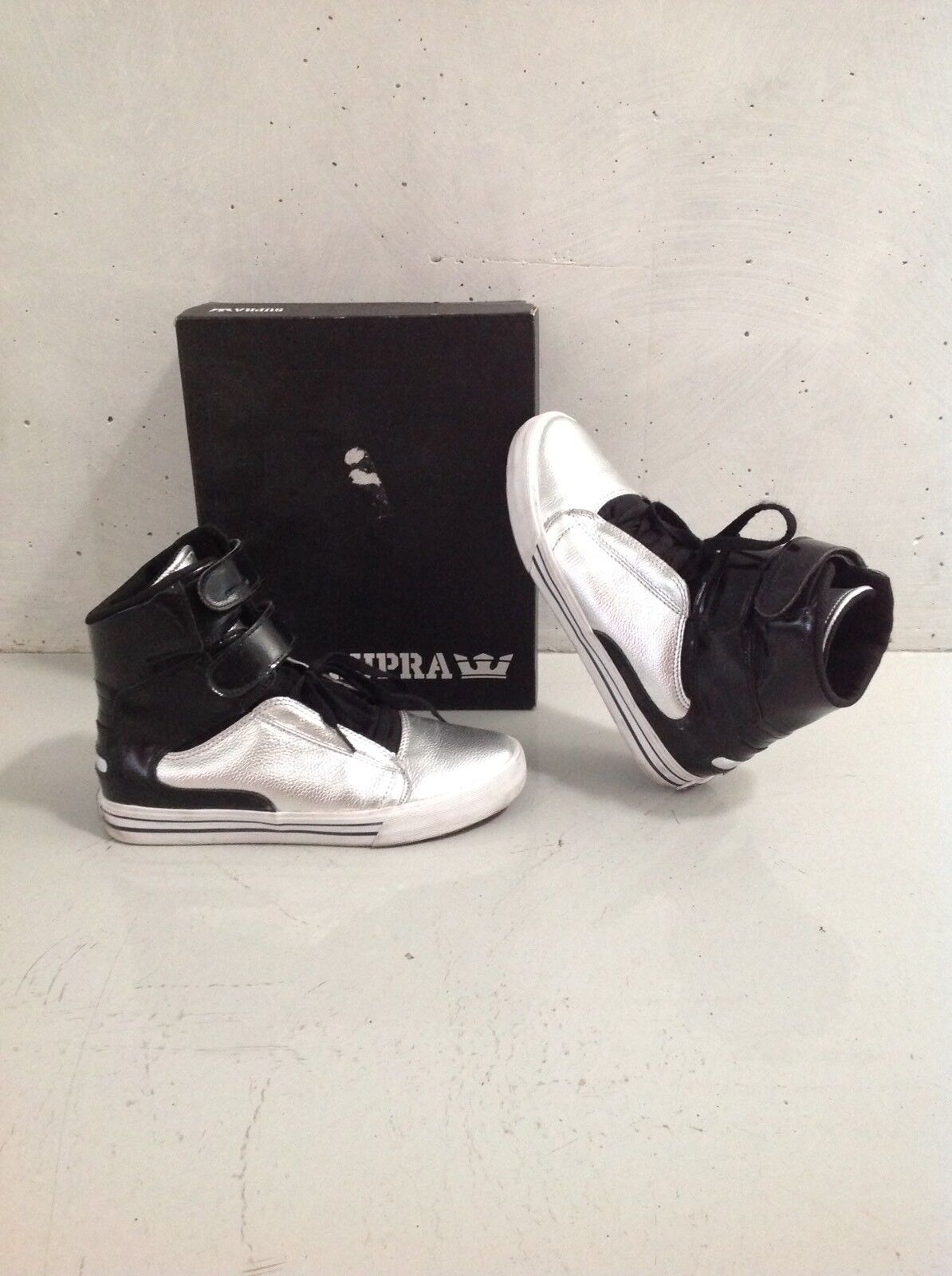 Supra Sneaker High Top Silber 42/42.5 Design Schwarz Silver Schuhe