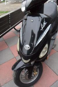 Roller Motorroller 50 ccm REX / Rs 450  mit Papier