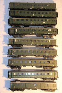 30-Konvolut-aus-8-Personenwagen-1-Gueterwagen-der-DR-Epoche-III-in-H0-4x-OVP