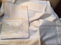 Signoria Di Firenze Italy (2) St Cases 100% Cotton Luxurious Silky