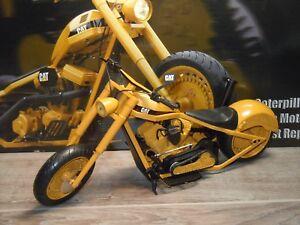 """Caterpillar Motorcycle One Tough Ride - 1:10 in Box *33490 - Rotterdam, Nederland - Staat: Tweedehands : Een object dat al eerder is gebruikt. Zie de aanbieding van de verkoper voor volledige details en een beschrijving van onvolmaaktheden. Opmerkingen van verkoper: """"SEE PICTURES FOR EXACT CONDITION,WHAT YOU SEE  - Rotterdam, Nederland"""