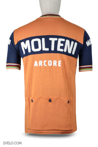 never worn new MOLTENI vintage wool jersey and shorts SET