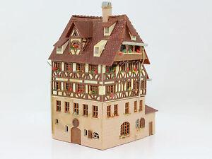 H0-Faller-B-932-Duererhaus-Fachwerkhaus-fertig-aufgebaut