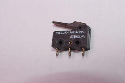 links gewinkelt 3x Mikroschalter Marquardt Typ 1055 Schnappschalter 4A//12V//DC