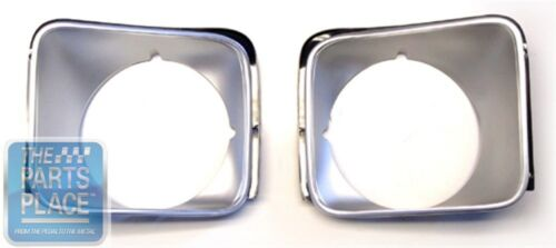 1975-78 Chevrolet Nova Standard Headlamp Bezel GM 360627 /& 360628 Pair