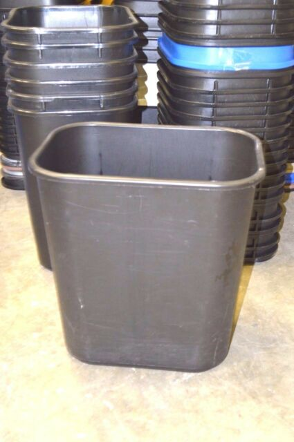 Rubbermaid Office Trash Can   7 Gallon, Black