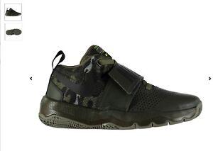 para Tamaño D8 Hustle Nike A de niños Junior 5 Uk Zapatillas Team estrenar deporte pnwTW0Px