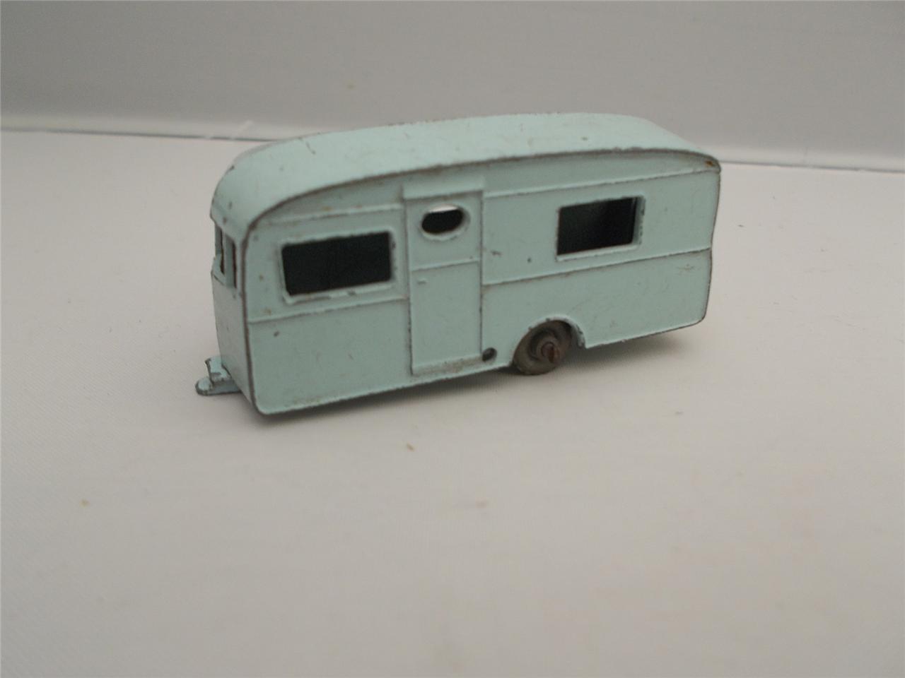 VINTAGE LESNEY BERKELEY CAVALIER Traino Caravan RARO ColoreeE verde azul N. 23 in buonissima condizione