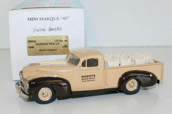 MINIMARQUE 1 43 US9A - 1946 HUDSON PICK-UP - DONUTS BAKED DAILY