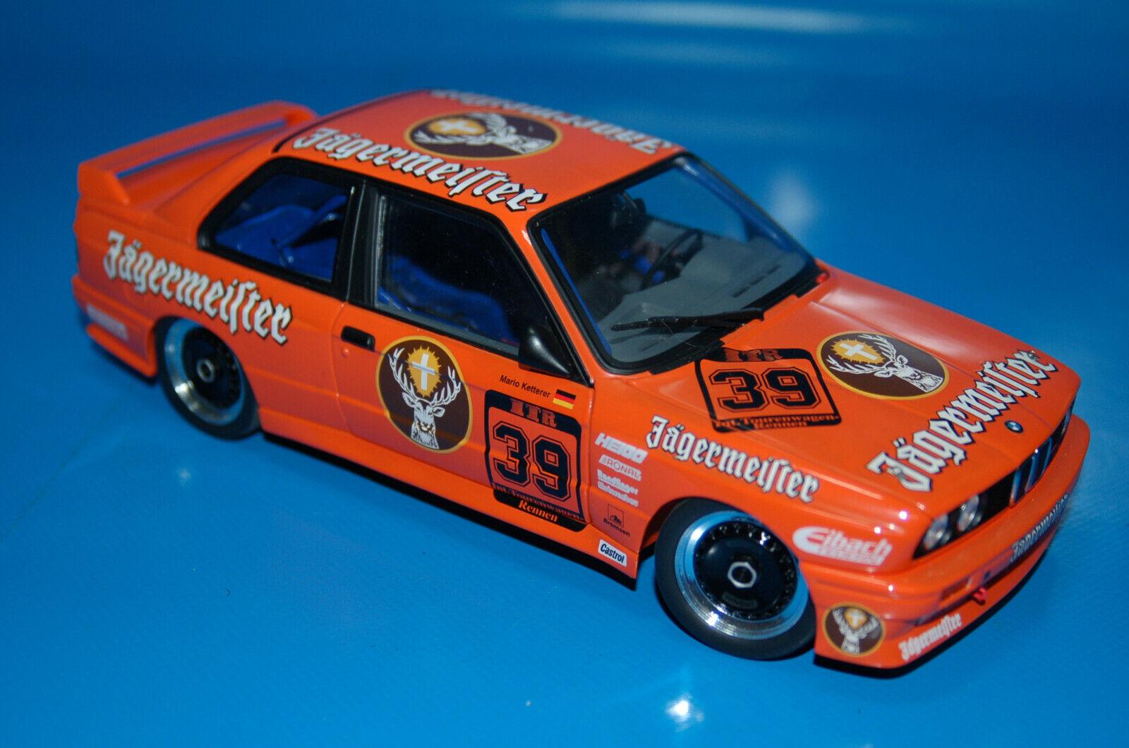 Coche de colección BMW M3  · MINICHAMPS · Escala 1 18 Metal-Jagermeister  avec le prix bon marché pour obtenir la meilleure marque