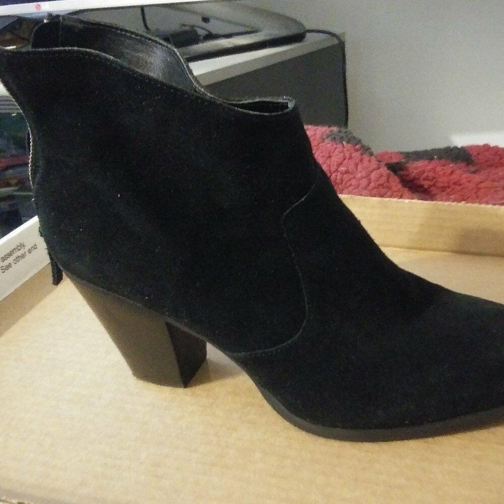 Tesori Black Suede zipper ankle boots size 11 M shoes