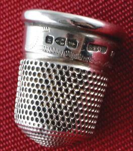 Punzen Versehen H.2,4 Cm. s3 Interessanter Antiker Fingerhut Silber Mit Div