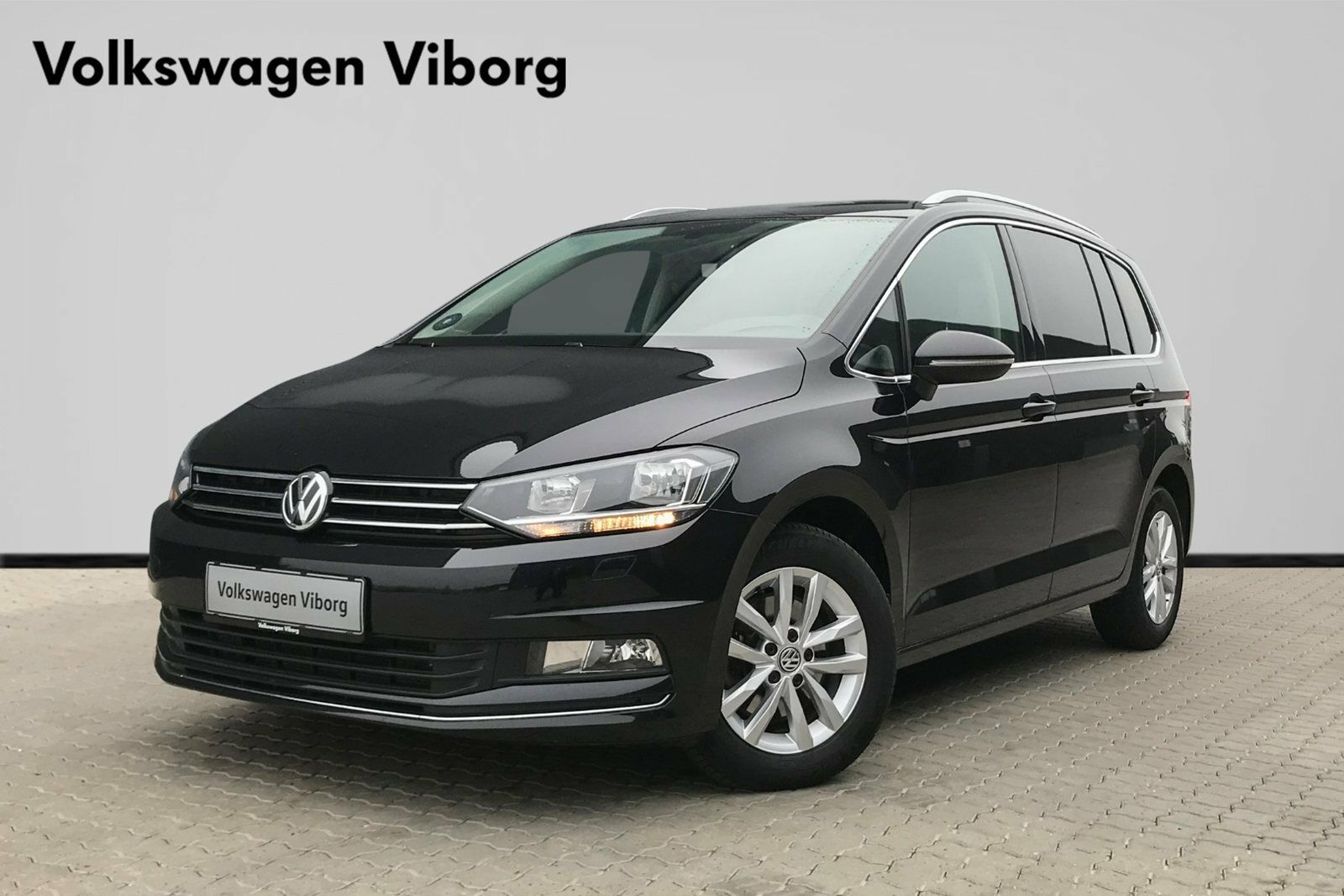 VW Touran 2,0 TDi 150 Highline DSG BMT 5d - 344.900 kr.